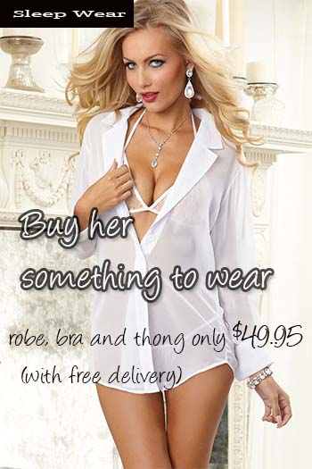 Dreamgirl robe, bra and thong CTA