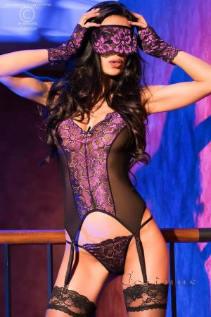 Chilirose Guepiere with thong, gloves and blindfold front