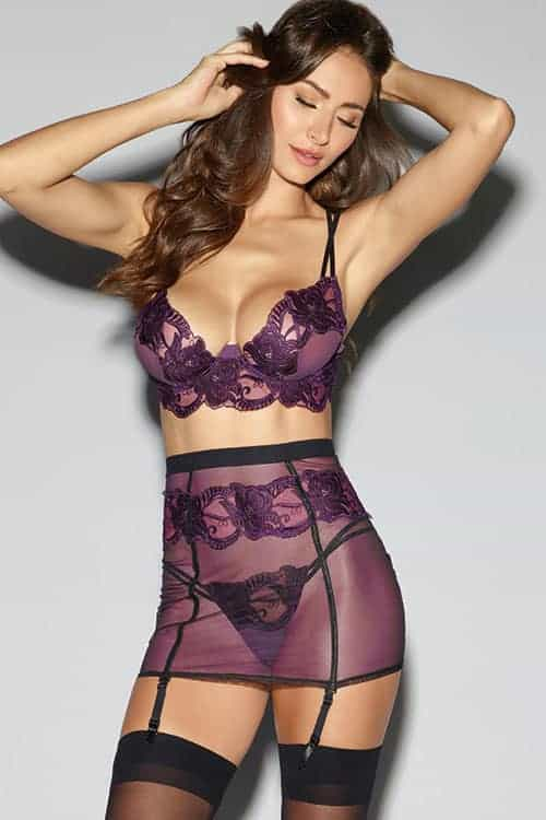 Dreamgirl Lace Bra with Garter Skirt and G String 10997 front